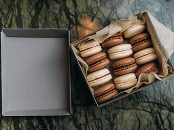 caixa com macarons